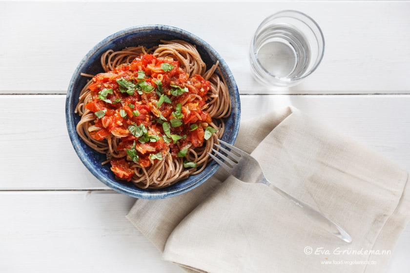 Tomato Sugo (Sauce) with Pasta | Tomatensugo mit Pasta | food-vegetarisch.de