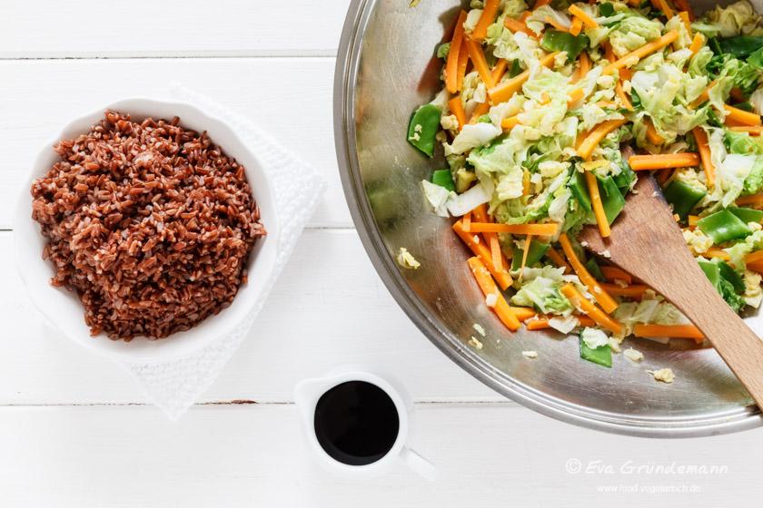 Zubereitung Wok Gemüse Rezept mit Reis | food-vegetarisch.de