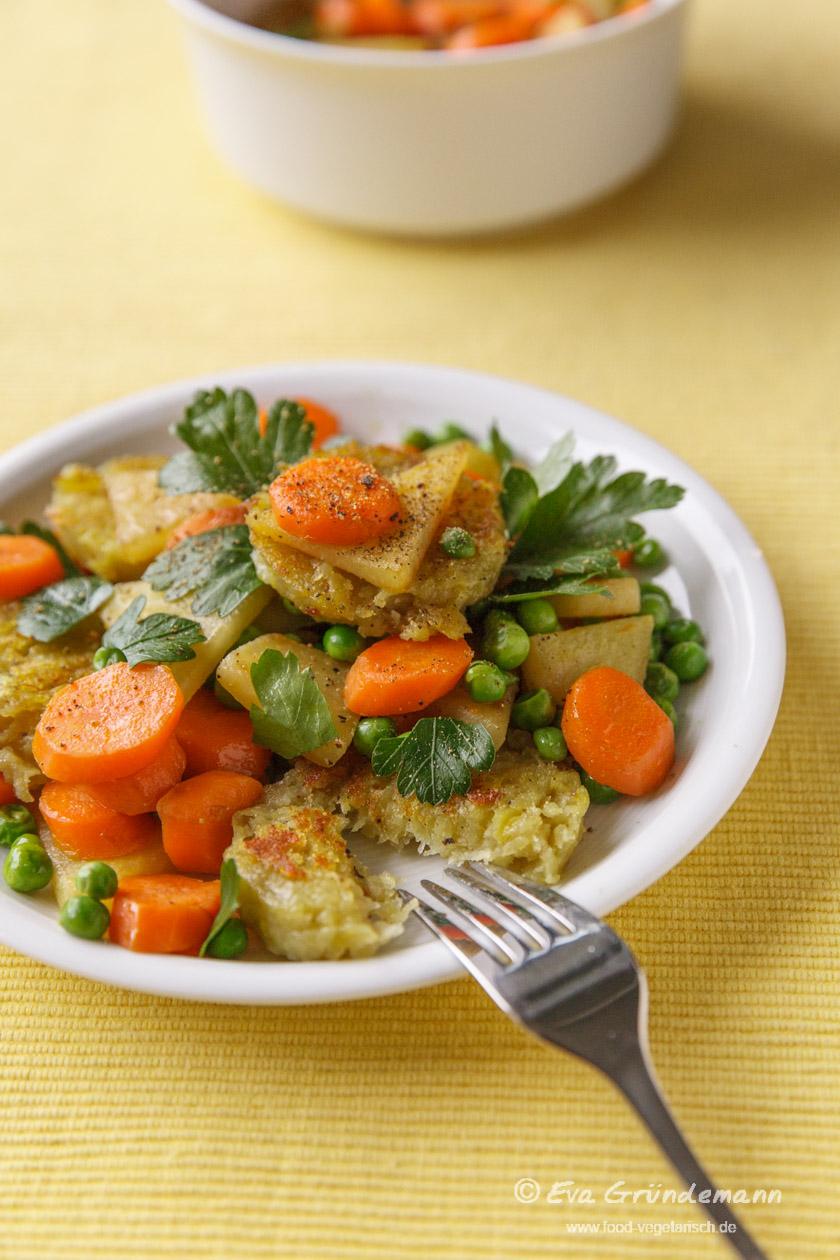 Rezept für Gemüsepfanne mit Thüringer Klößen | food-vegetarisch.de
