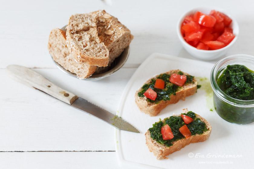 Bärlauch Würzpaste auf Brot | food-vegetarisch.de