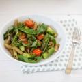 Rezept für Rigatoni mit Spargel und Rukola-Pesto
