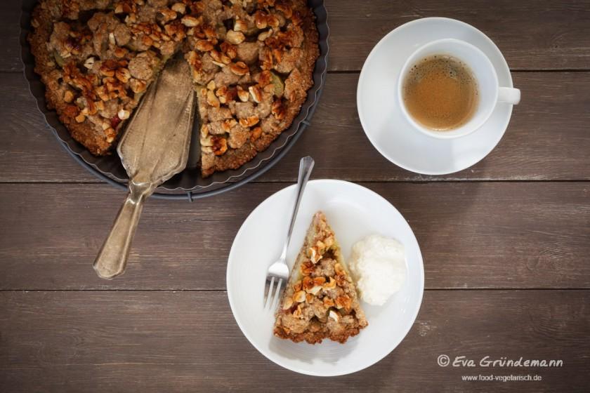 Rhabarberkuchen mit Streuseln | food-vegetarisch.de