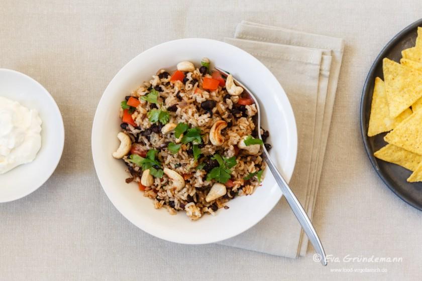 Gallo Pinto: Reis mit schwarzen Bohnen | food-vegetarisch.de