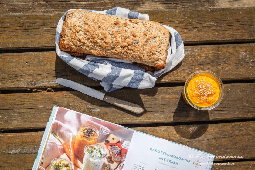 Vollkornbrot mit Karotten-Dip | food-vegetarisch.de