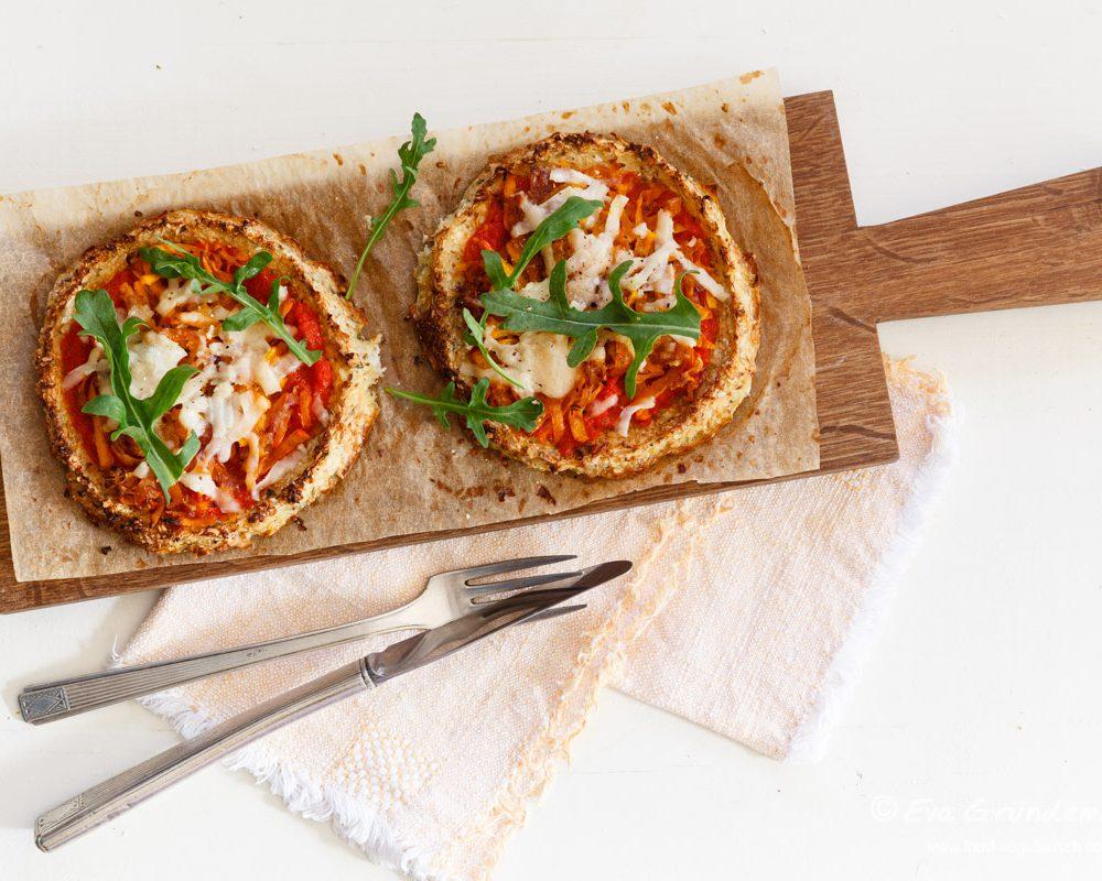 Mini Blumenkohl-Pizzen mit Kürbis