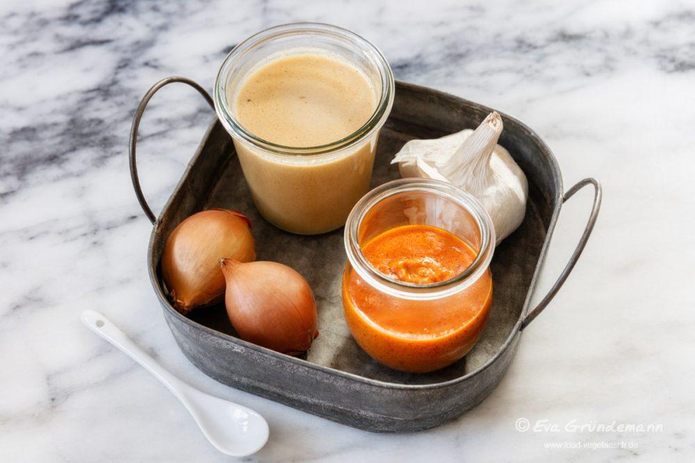 Tomatensoße und Erdnusssoße